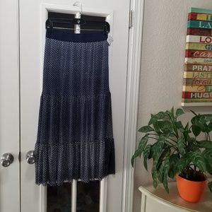 NWT Ladies Navy and White Polka Dot Skirt